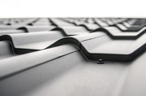 Wymiana blachodachówki na dachu
