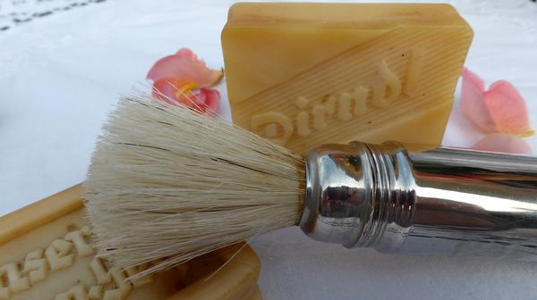 Zalety naturalnego mydełka do golenia
