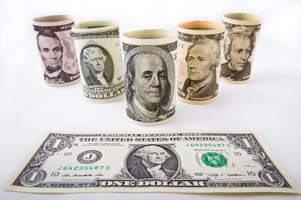 Po co wymieniać dolary?