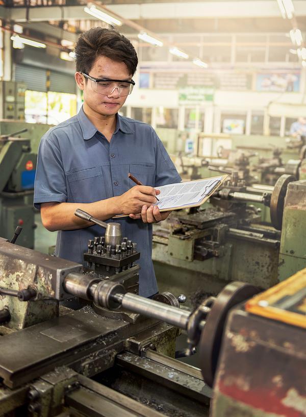 Zalety pracowników z Azji na produkcji