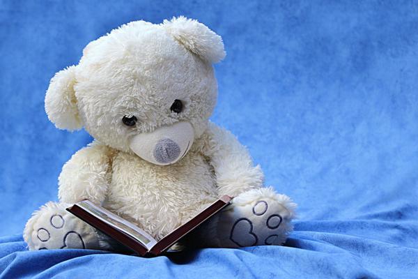 Nowoczesne czytanie książki i nauka