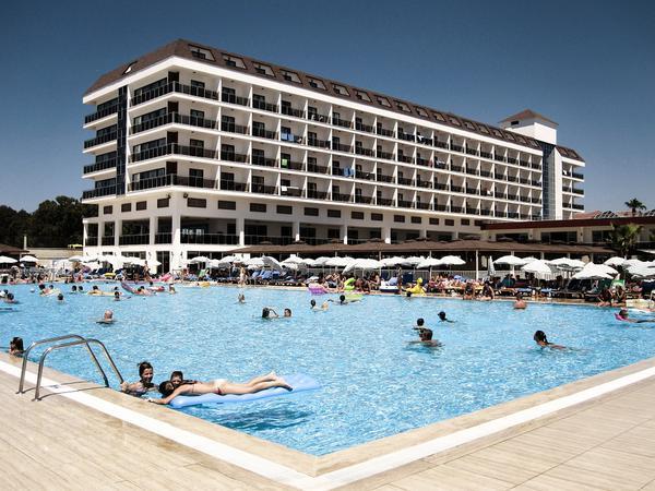 budowa basenów hotelowych