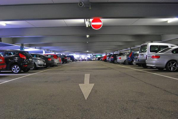 blokada wjazdu na miejsce parkingowe